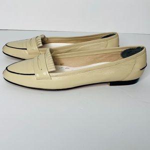 Vintage Liz Claiborne off-white loafers.